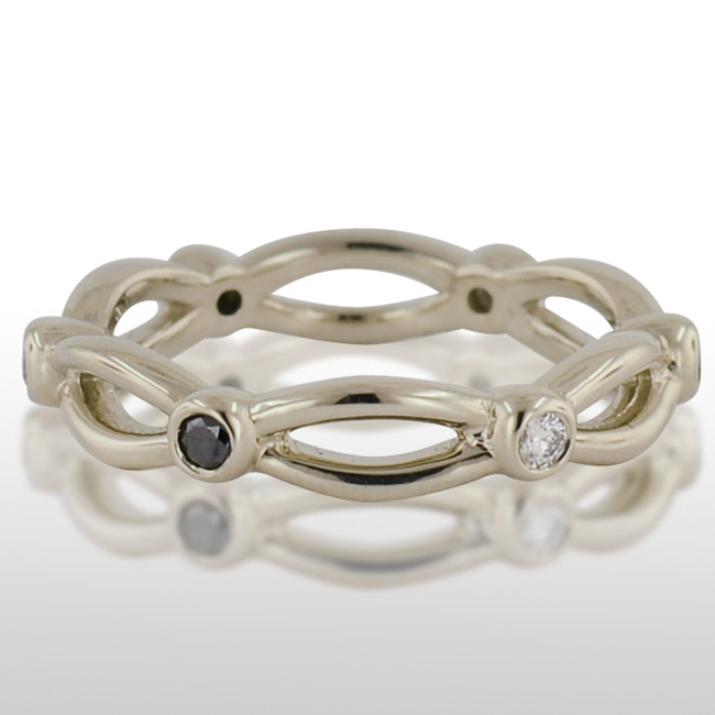 La s White Gold Black And Traditional Diamond Ring LD BD FW
